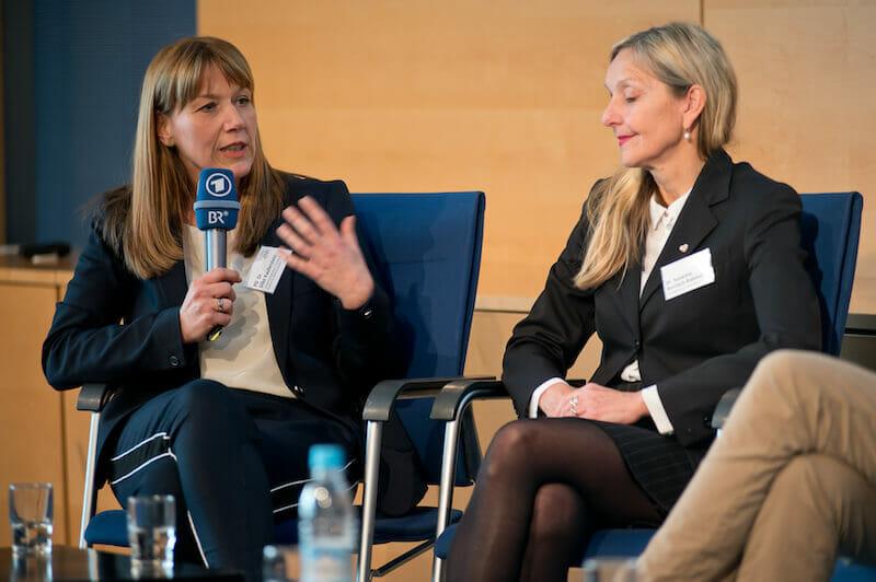 49 Podiumsdiskussion PD Dr.-Silke-Kauferstein-Frankfurt, Dr. med Susanne Berrisch-Rahmel - Kardiologin in Düsseldorf